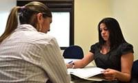 A Coordenação do Núcleo de Práticas Jurídicas divulga cinco vagas para atuar na CEJUSC.