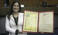 Coordenadora de Odontologia é homenageada na Câmara de Santo André