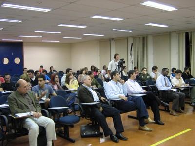 Público na Palestra do Prof. Emanuele