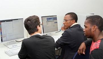 Alunos da Escola contam com central de estágios específica para orientação das atividades profissionais