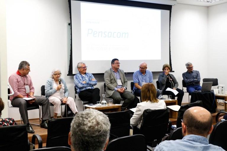 """Mesa do colóquio """"Alagoas: 200 anos de emancipação política, consciência cidadã e inclusão sociocultural para o fortalecimento da democracia"""""""